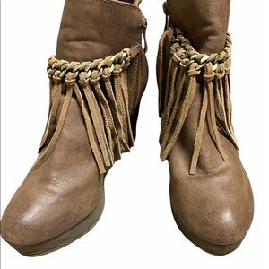 Sbicca platform wedge tassel ankle bootie brown 10